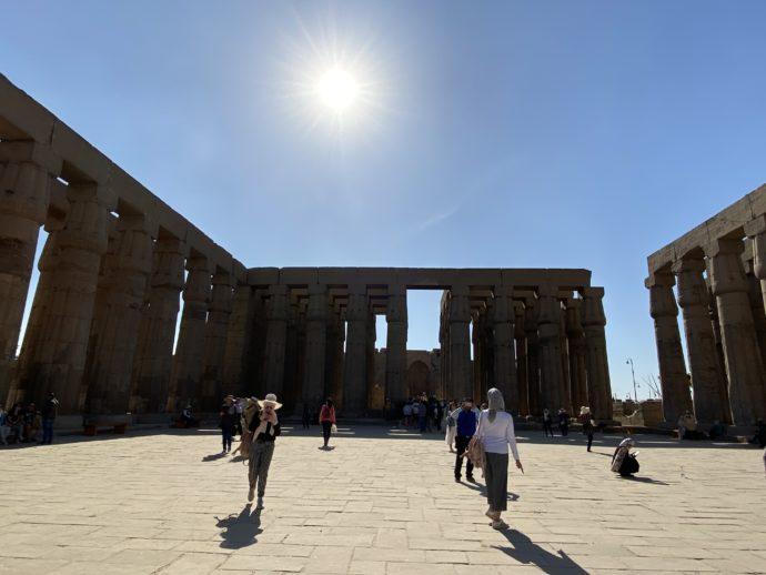 アメンヘテプ3世の中庭