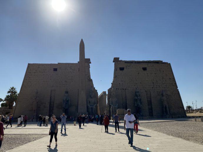ルクソール神殿第一塔門