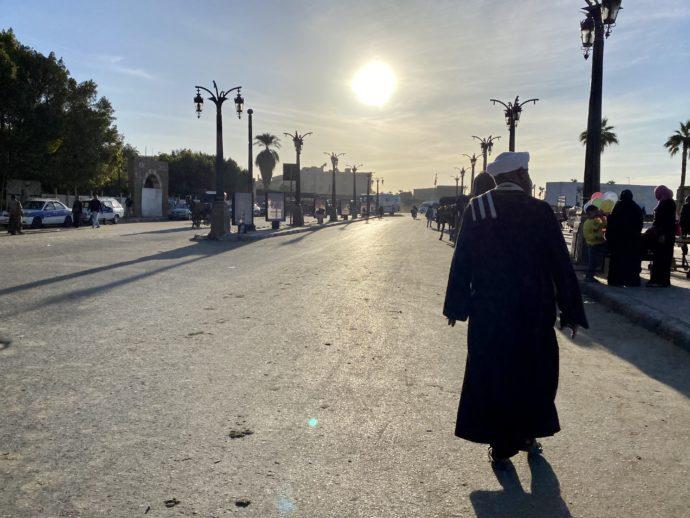 太陽とムスリム男性