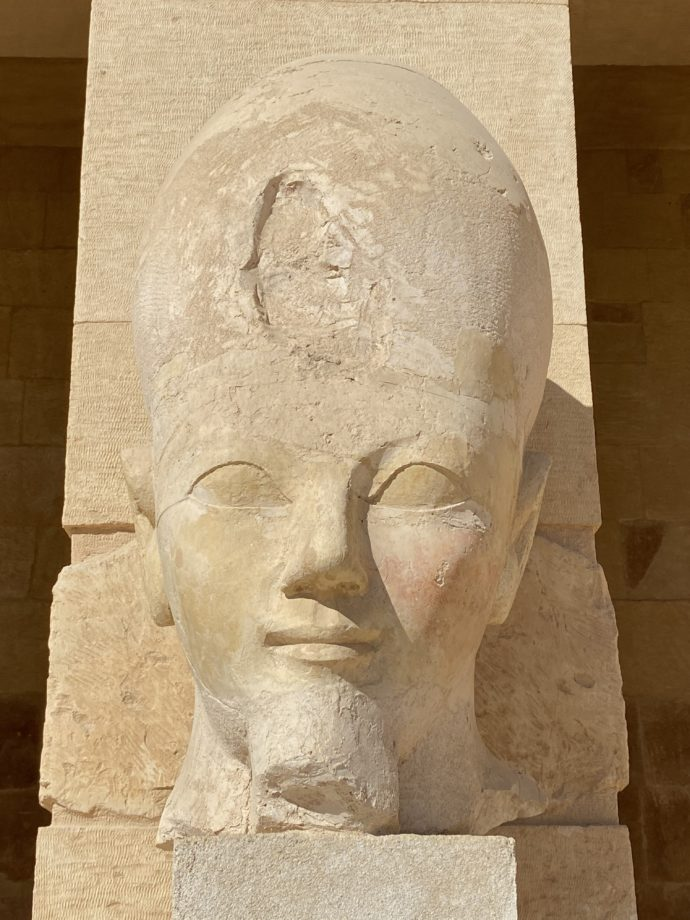 オシリス神の顔