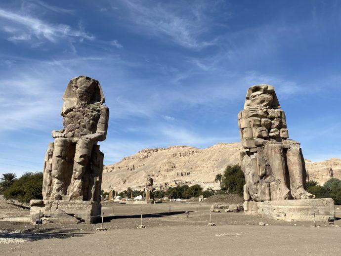 メムノンの巨像