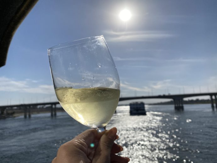 ナイル川を眺めながら飲むワイン