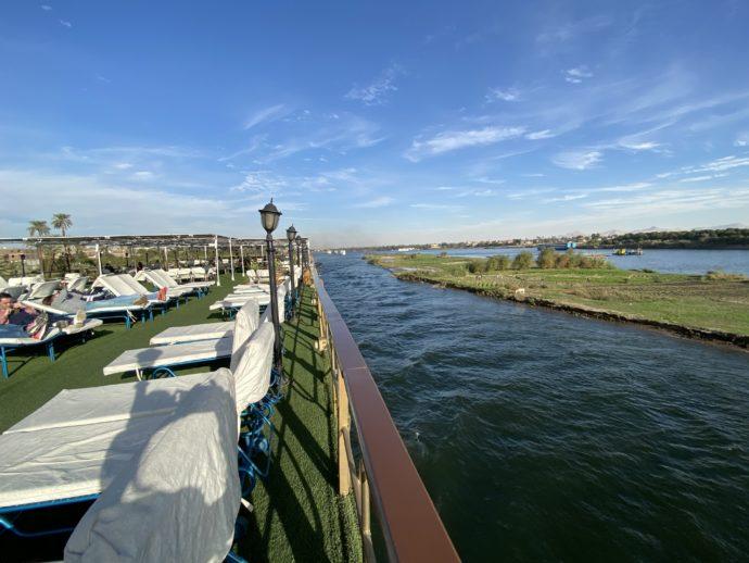 ナイル川と船