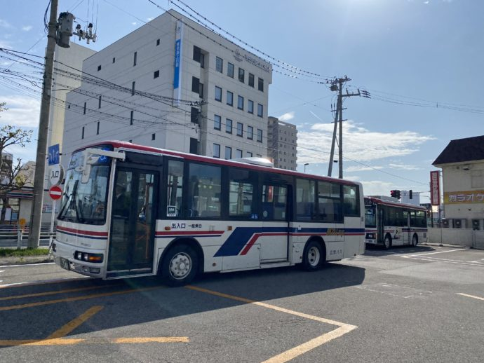 若松駅前バスターミナル