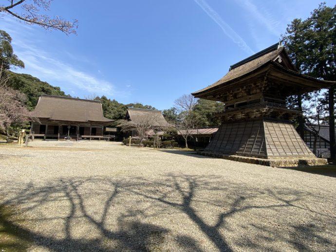 妙成寺の境内