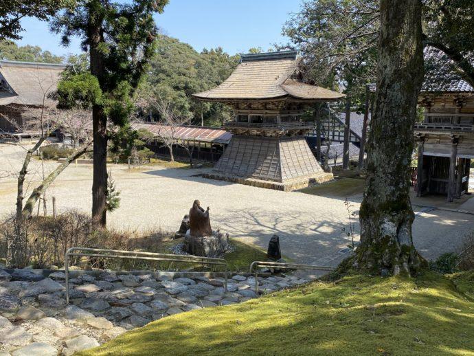 妙成寺の上から見た鐘楼