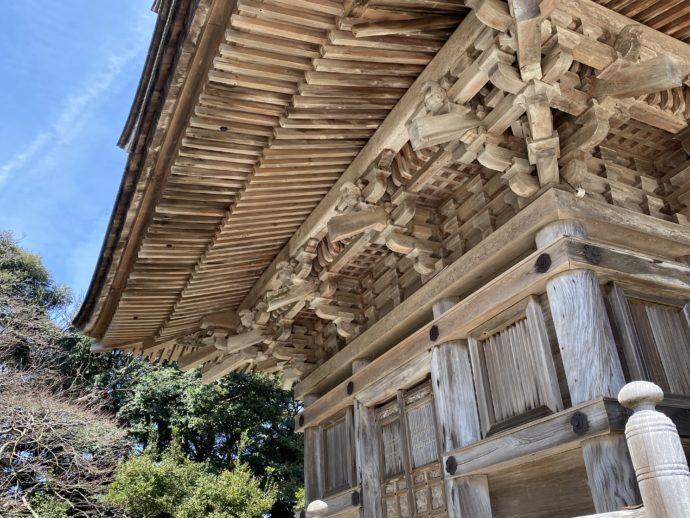 妙成寺の五重の塔の屋根
