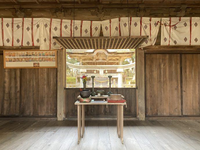 妙成寺の三十番神堂・拝殿