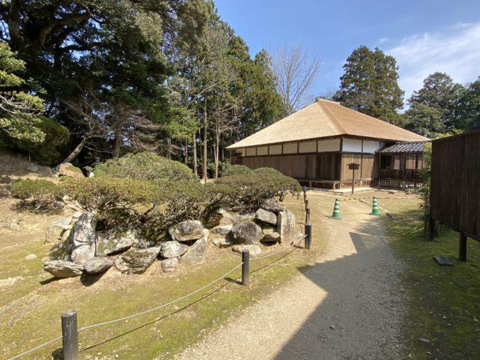 妙成寺庭園と書院