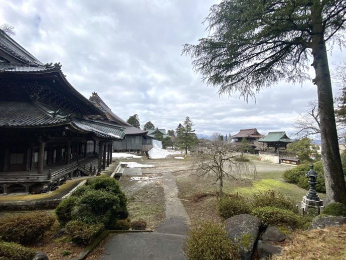 瑞泉寺の境内