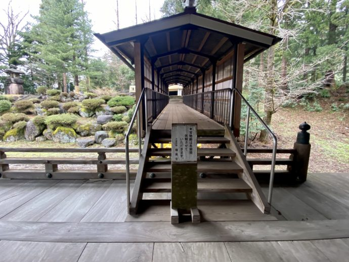 瑞泉寺宝物殿への渡り廊下