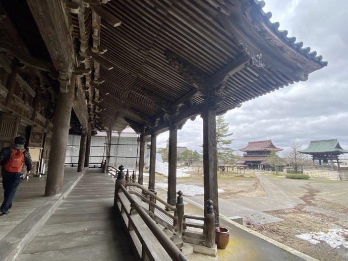 瑞泉寺太子堂の向拝