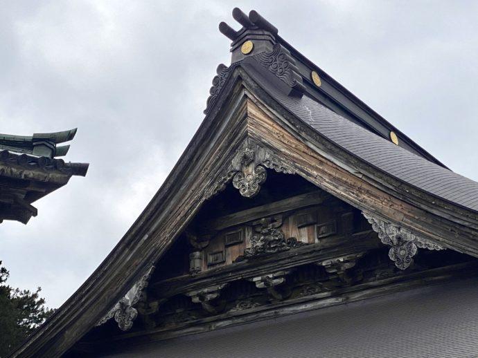 瑞泉寺本堂の屋根