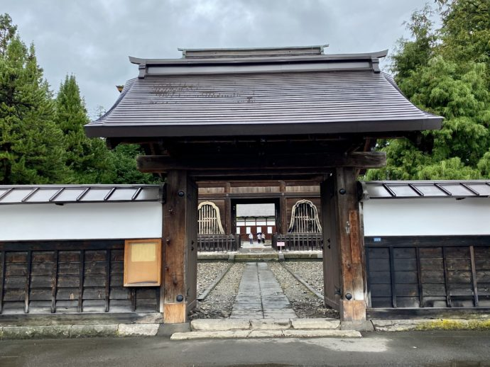 長勝寺の通用門