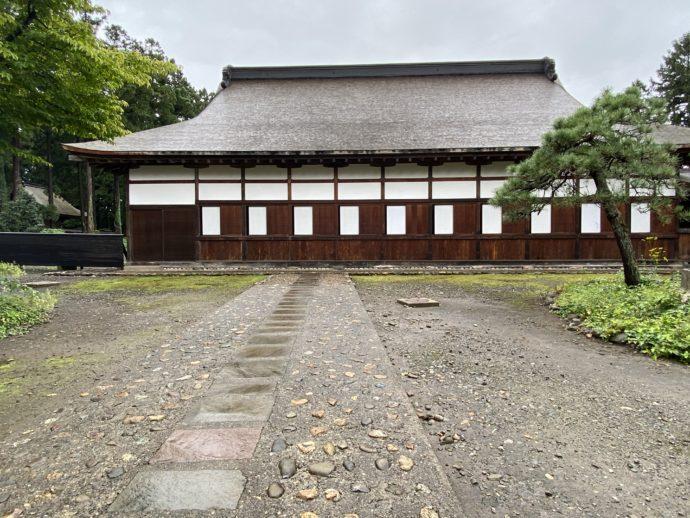 長勝寺の本堂